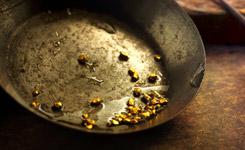 Sokoman drills high-grade near-surface gold intervals at Moosehead