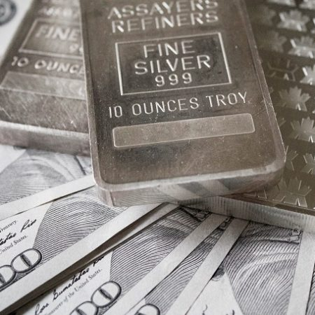 Unprecedented silver demand forcing bullion deals to stop taking orders before market opens