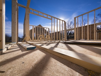 Gold price holding strong gains despite 19% rise in U.S. housing construction data