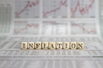 Gold price trading in neutral territory following rising inflation, U.S. personal income grows 21.1% in March